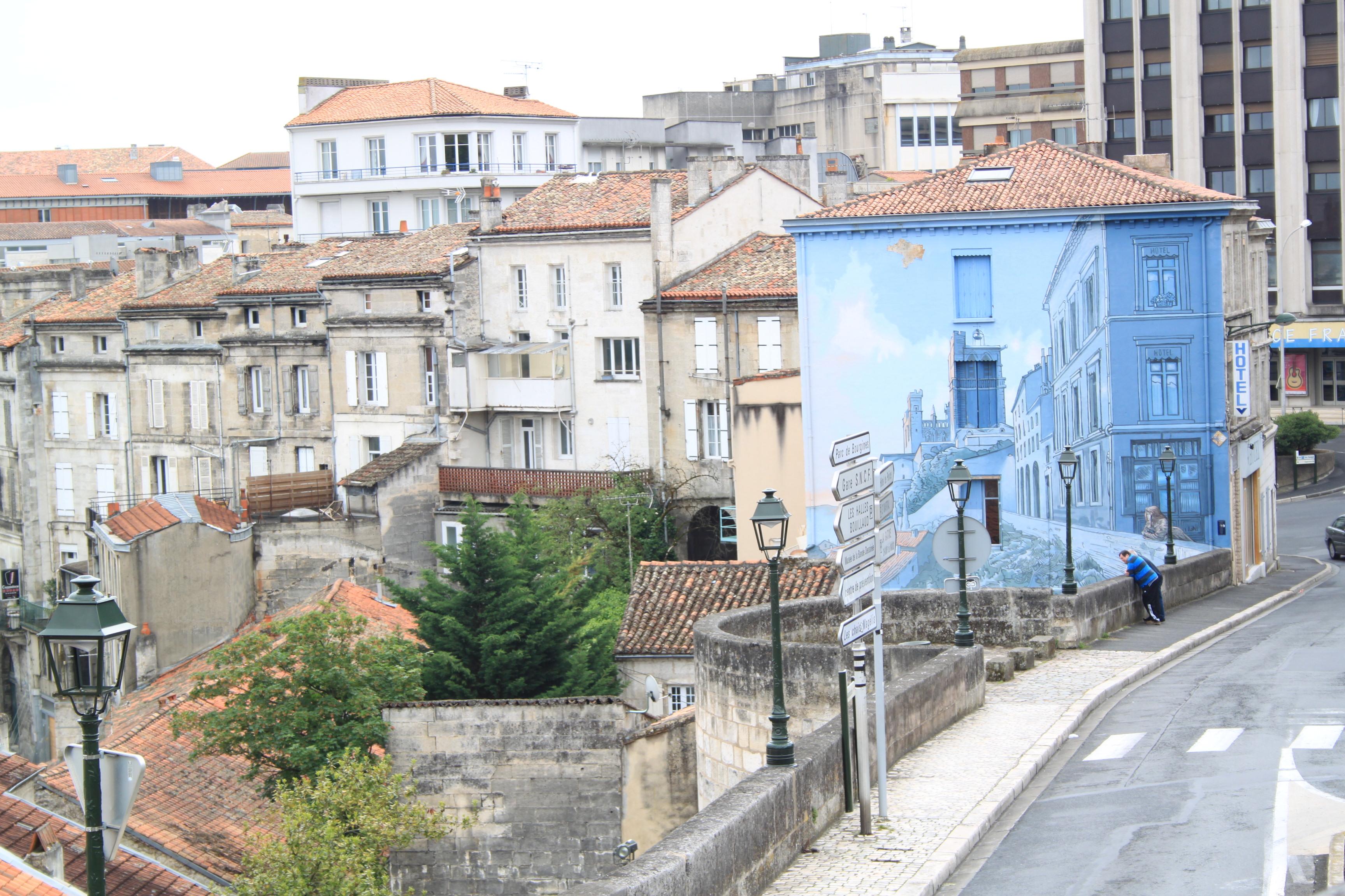 angouleme mur peint centre ville charente en croisiere inter croisieres sireuil nicols.jpg