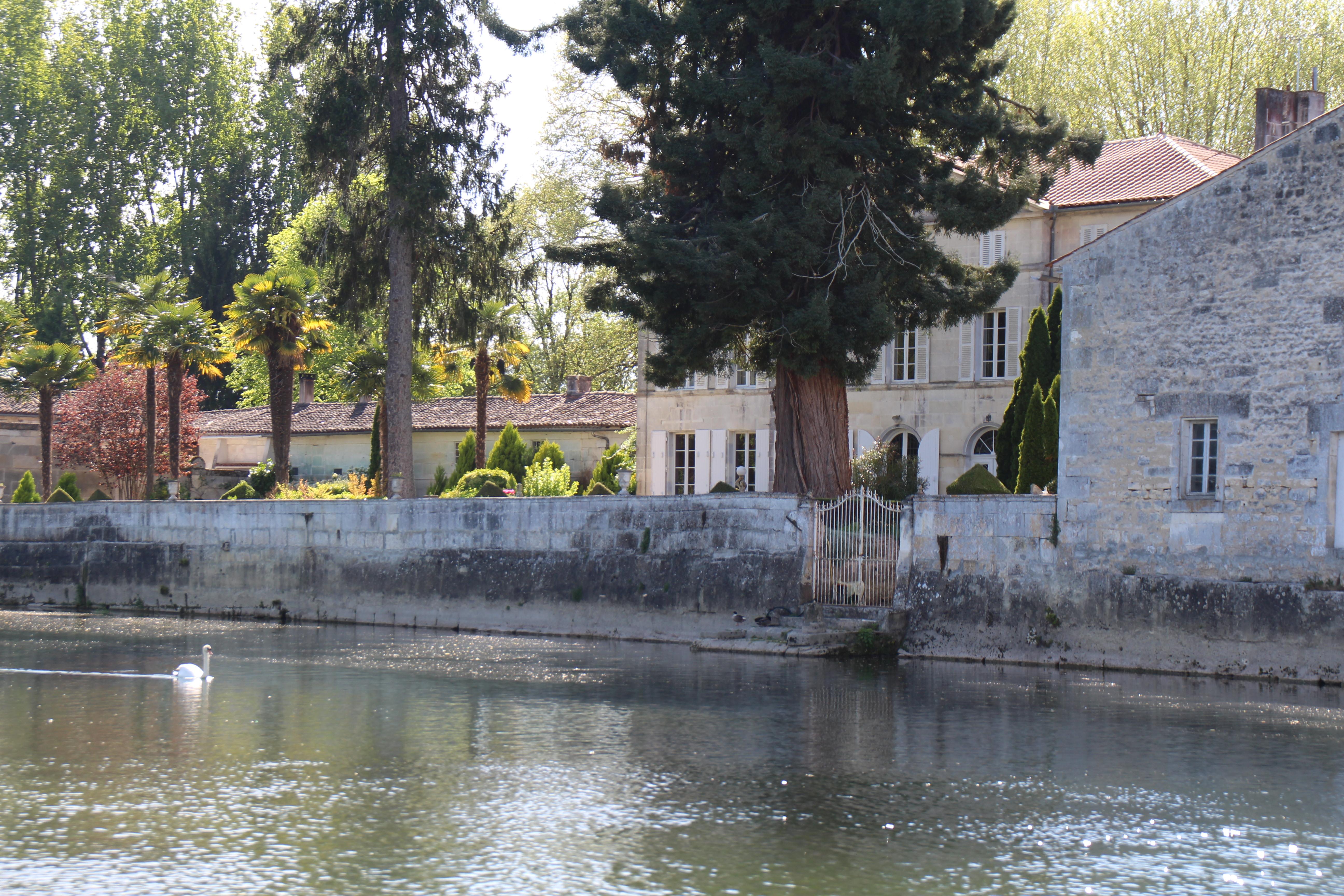 intercroisieres :: Week-end 2 jours - Croisière fluviale pour une échappée vers les villages pittoresques charentais