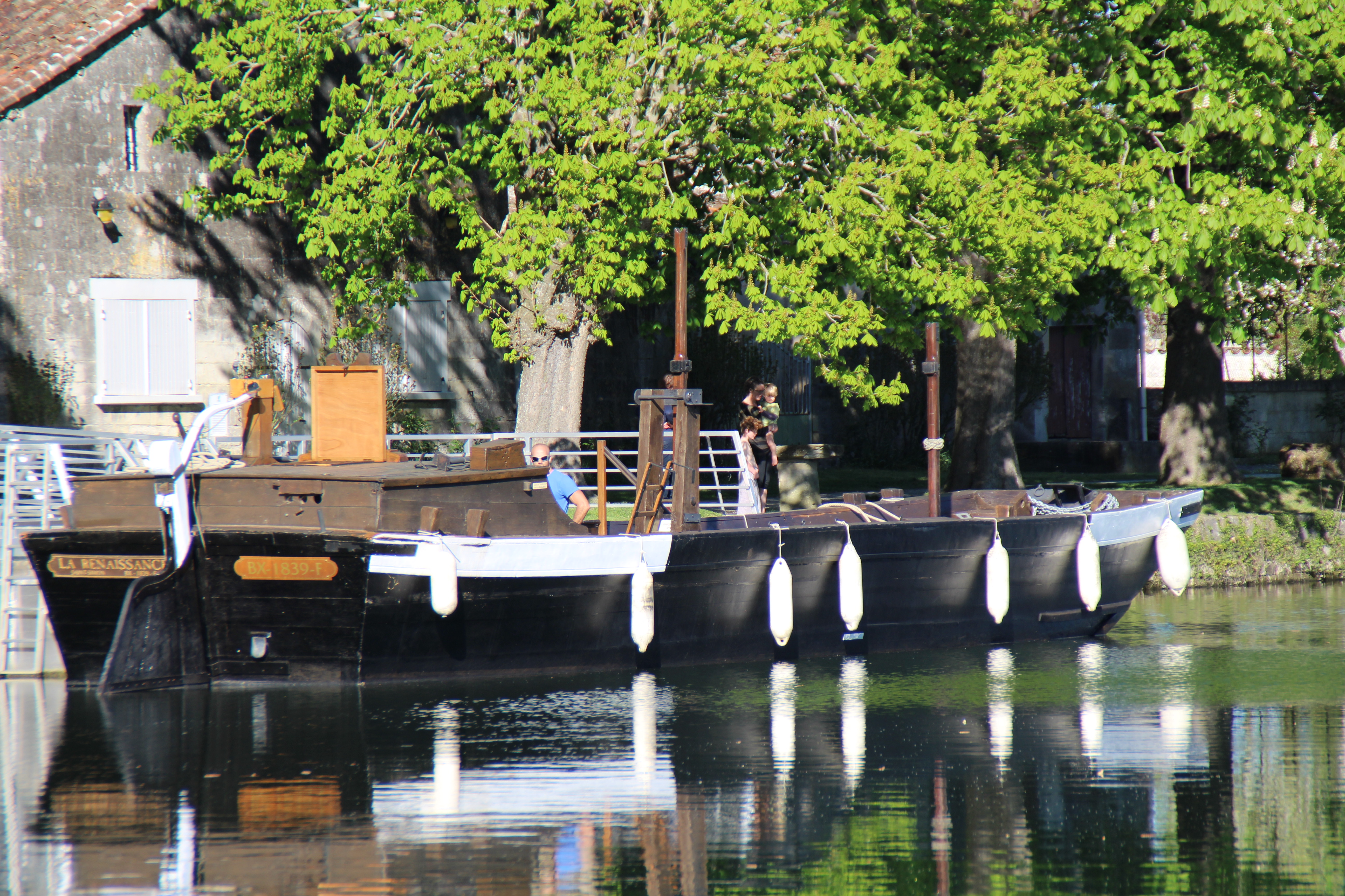 gabarre saint simon village gabarrier en bateau charente en croisiere inter croisieres sireuil nicols.JPG