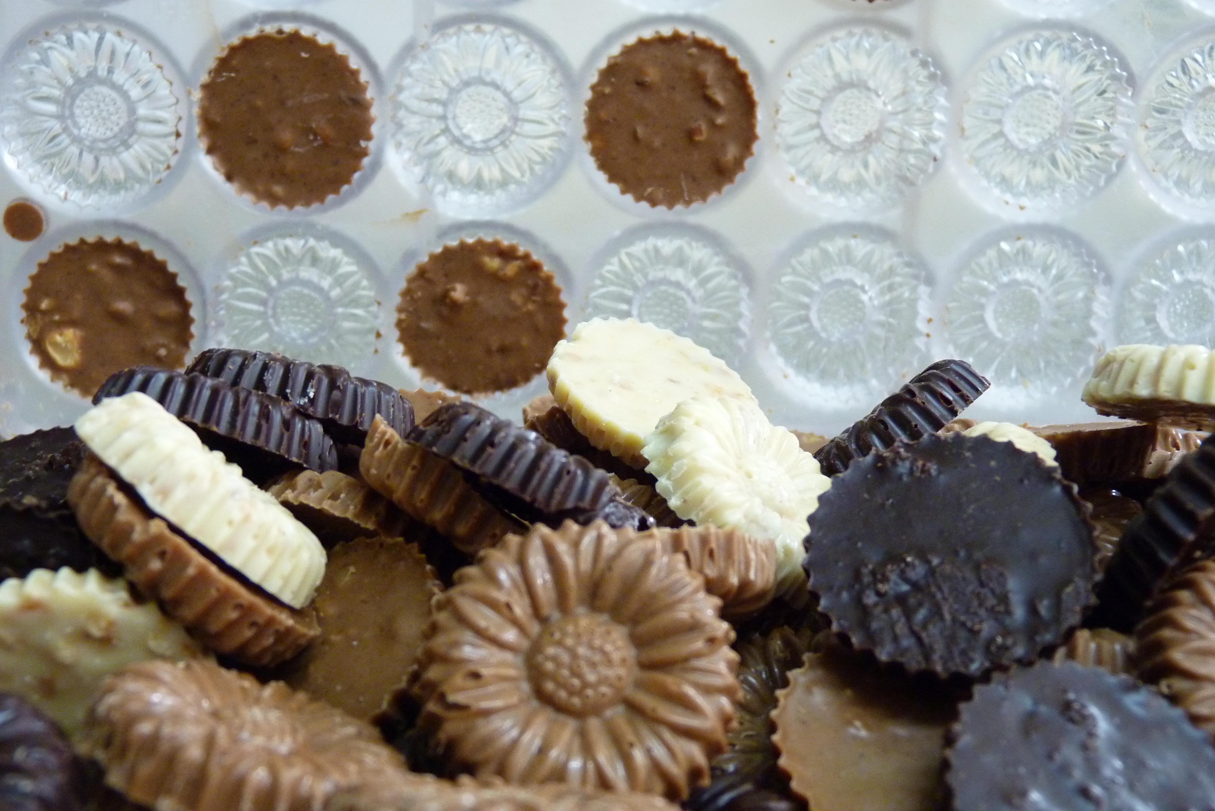 marguerites de valois chocolat letuffe en bateau charente en croisiere inter croisieres sireuil nicols.JPG