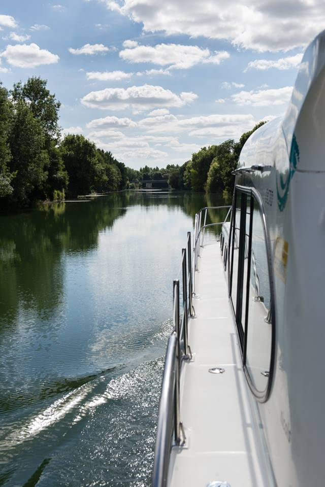 en navigation en bateau charente en croisiere inter croisieres sireuil nicols ofriedrich.jpg