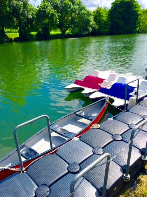 pedalos canoes a la base charente sireuil intercroisieres