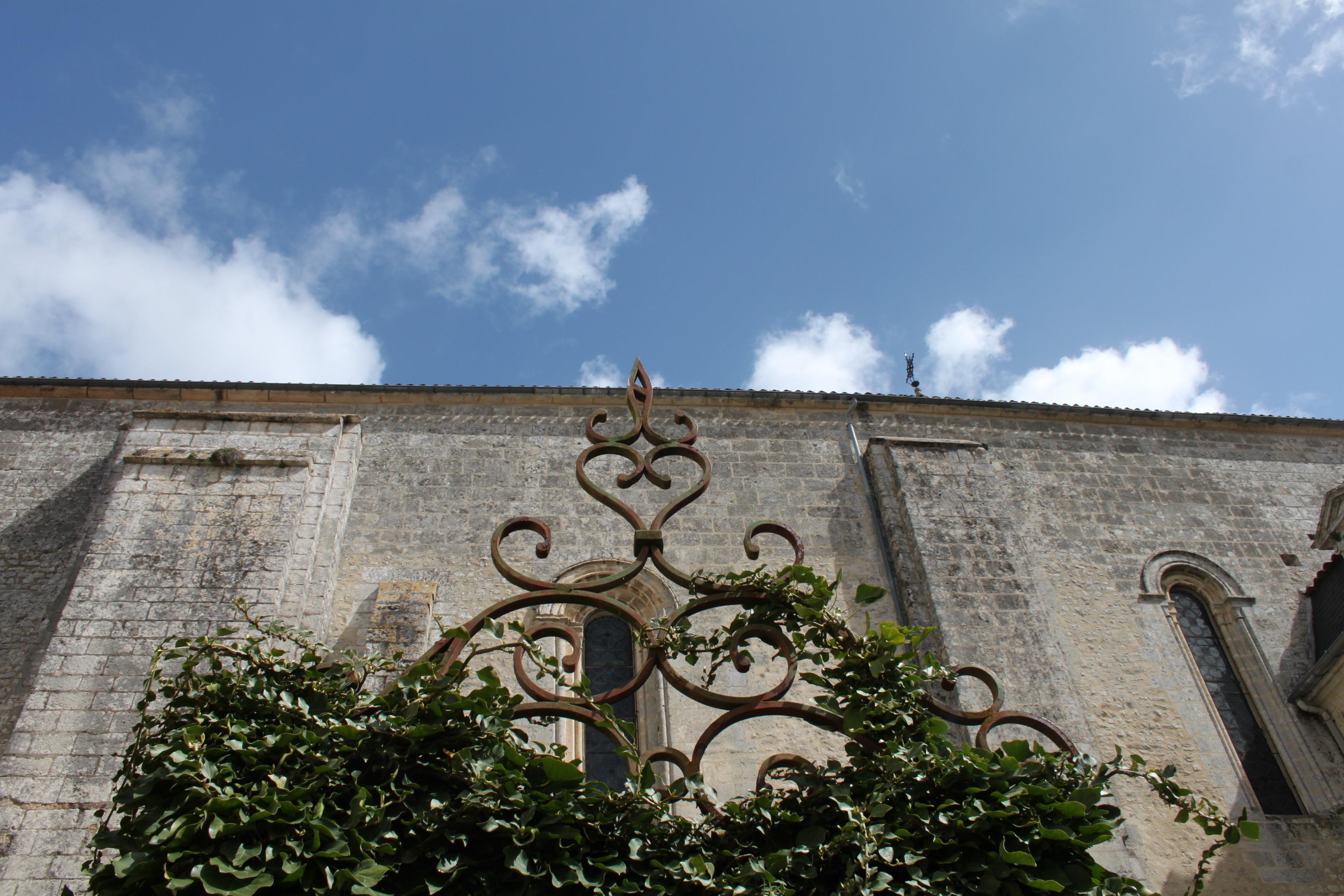 abbaye de bassac en bateau charente en croisiere inter croisieres sireuil nicols.jpg