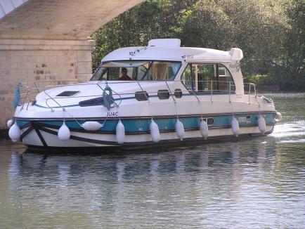 Nicols Sedan 1160