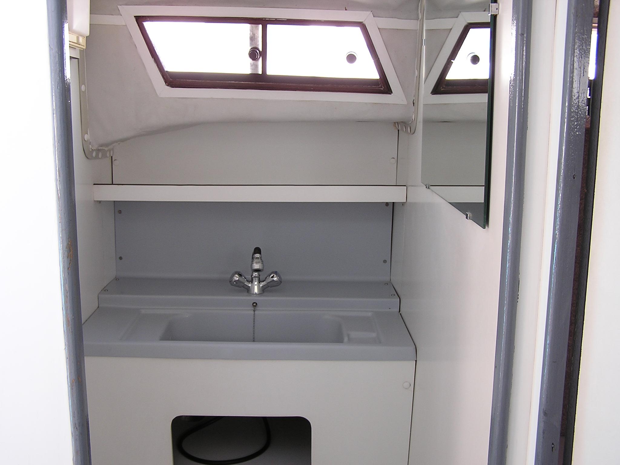 Nicols Riviera 920 salle d eau sireuil charente intercroisieres