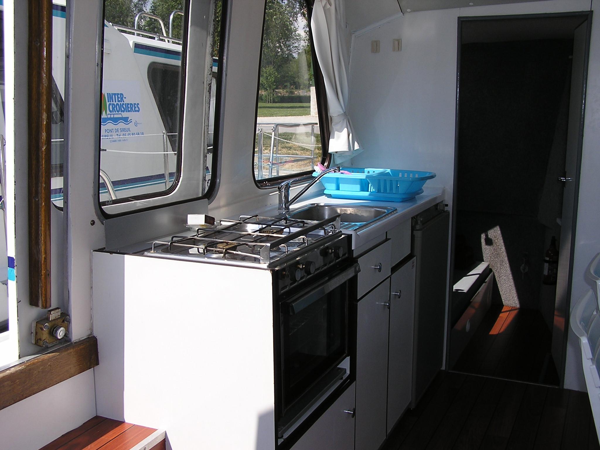 Nicols Riviera 920 cuisine sireuil charente intercroisieres