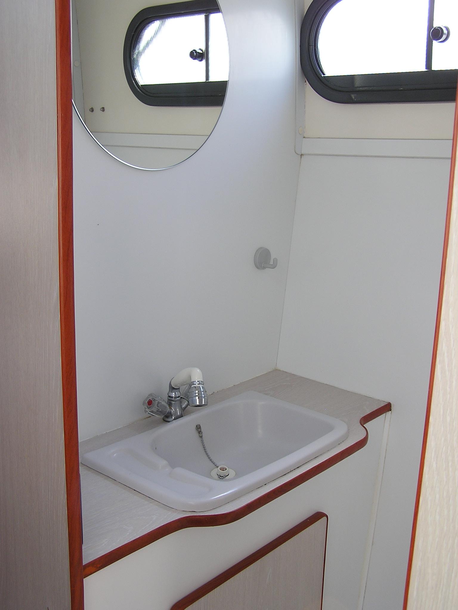 Nicols Confort 1100 salle d eau sireuil charente intercroisieres