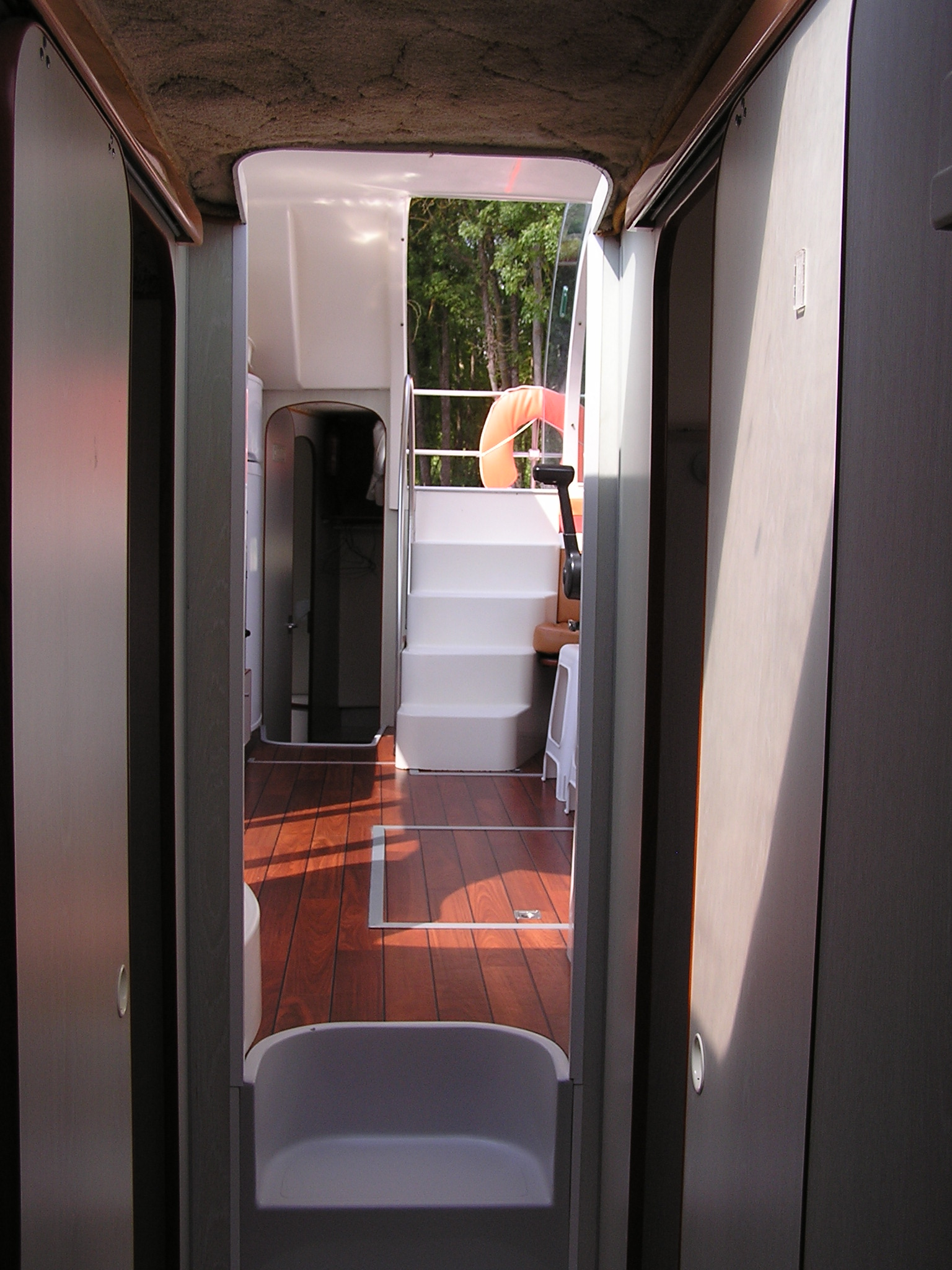 Nicols Confort 1100 couloir chambres avant sireuil charente intercroisieres