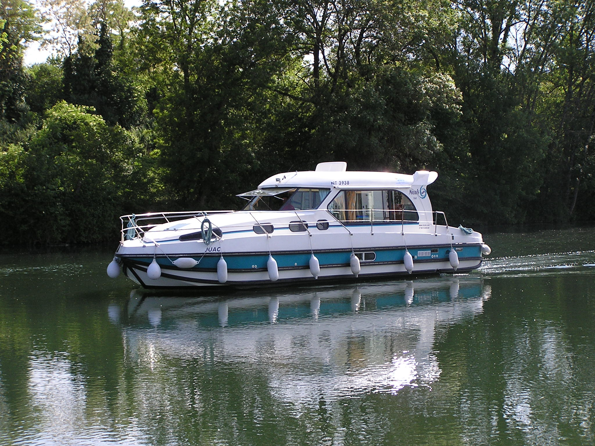 Nicols Sedan 1150 en navigation sireuil charente intercroisieres