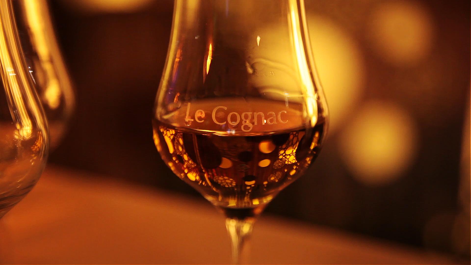 fete du cognac verre de cognac 8659 bateaux nicols inter croisieres sireuil charentestourisme.jpg