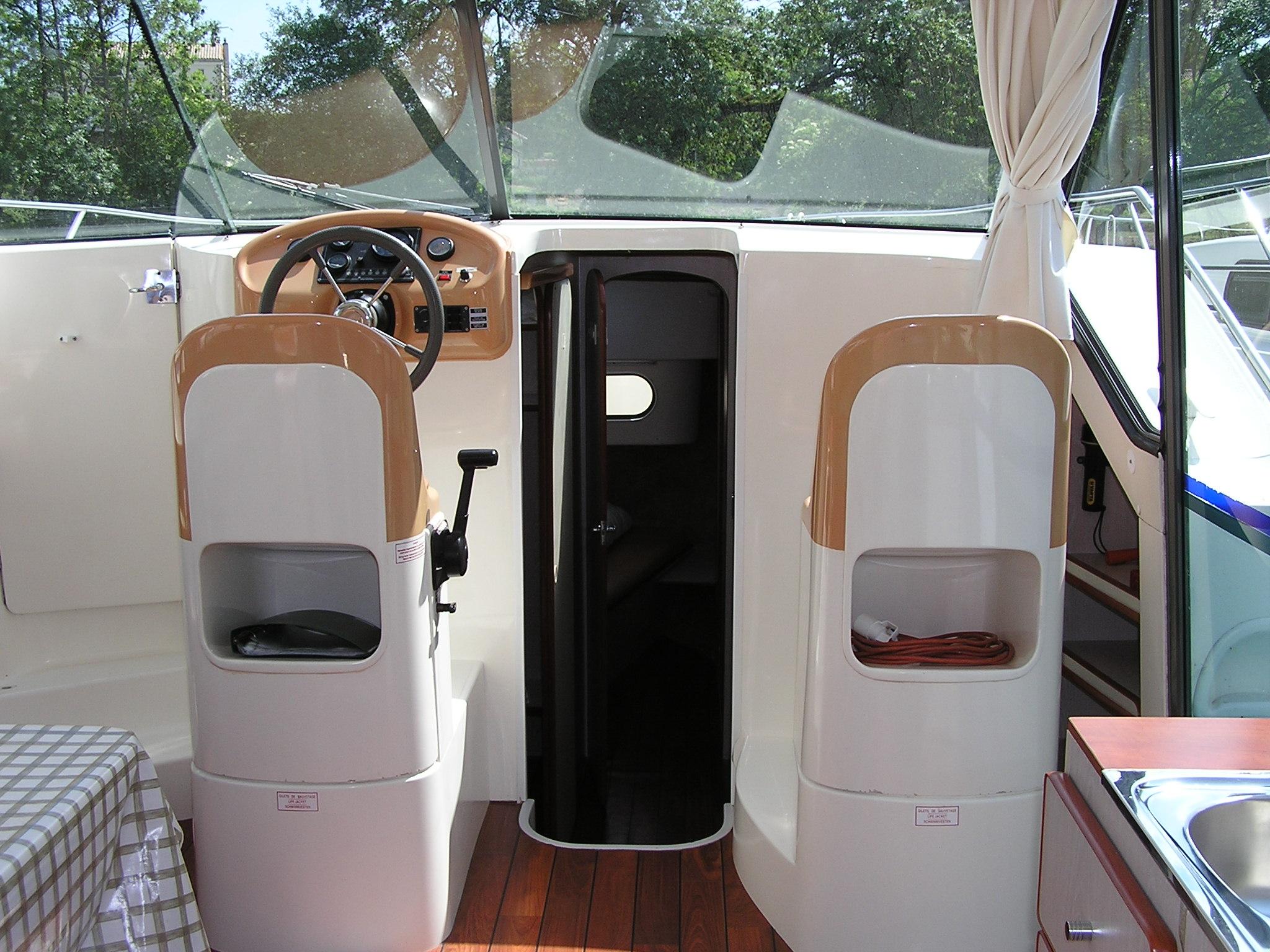 Nicols Confort 1100 poste de pilotage sireuil charente intercroisieres