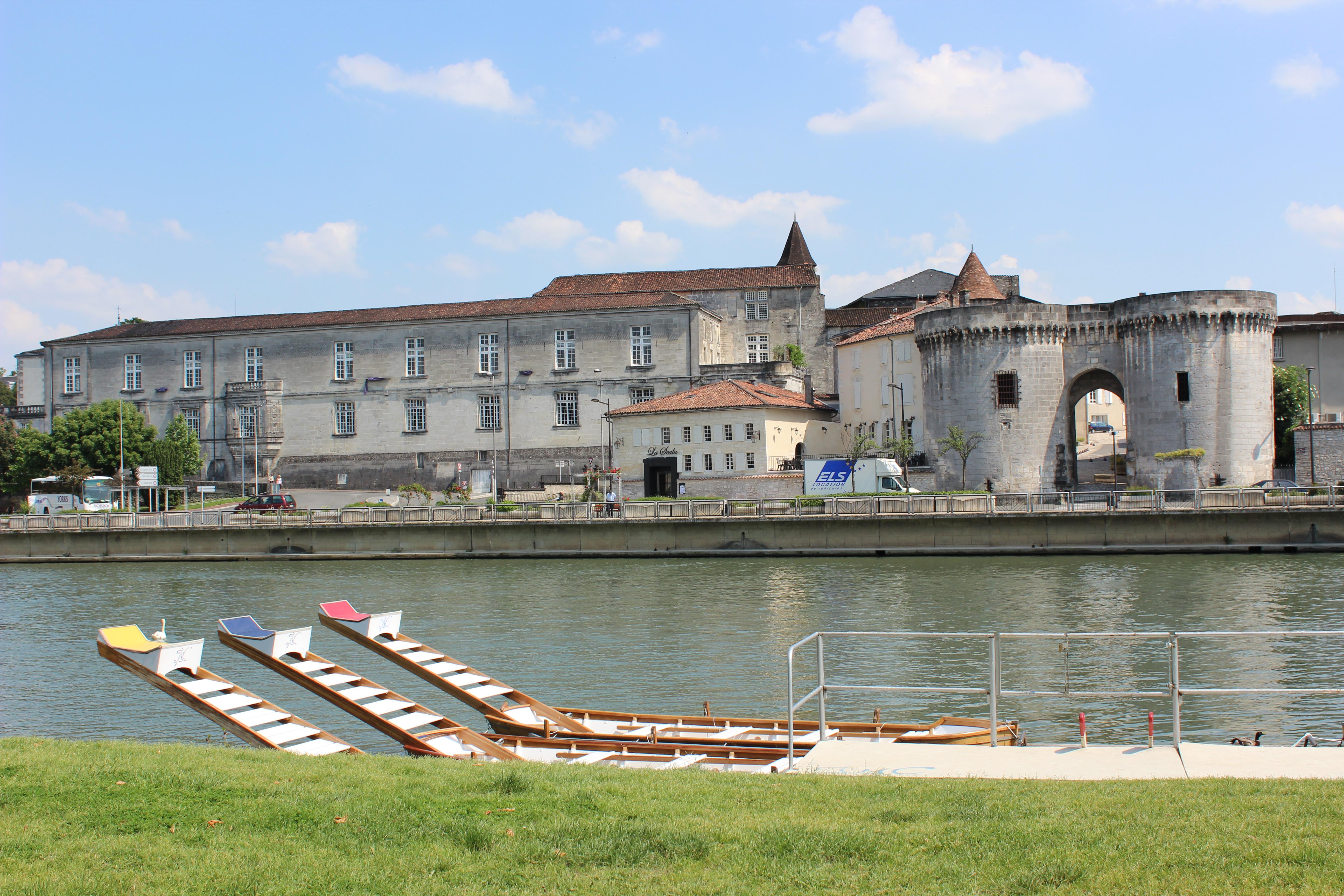 quais cognac charente en croisiere bateaux nicols inter croisieres sireuil.JPG